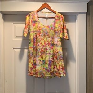 Lularoe perfect T. Size small